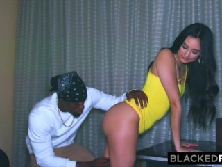 BLACKEDRAW She hooked up with BBC after her BF stood her up