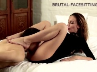 Gorgeous girl enjoys facesitting as much as he does ++Toef