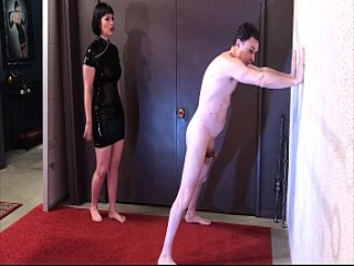 Ballbusting: Miss Snow Mercy destroys the balls of Andrea Dipr&egrave_