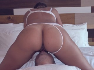 Amazing facesitting, wet pussy licking and two intense loud orgasms