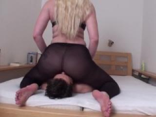 big ass nylon facesitting by bizarrlady jessica